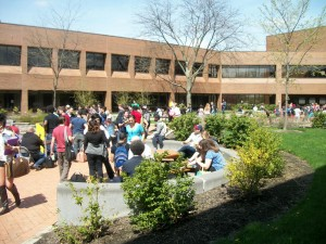 Students outside Western Campus Photo by Jeremy Hopkins